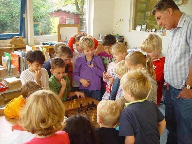 MEC Karel van Delft schaakles met schoolklas